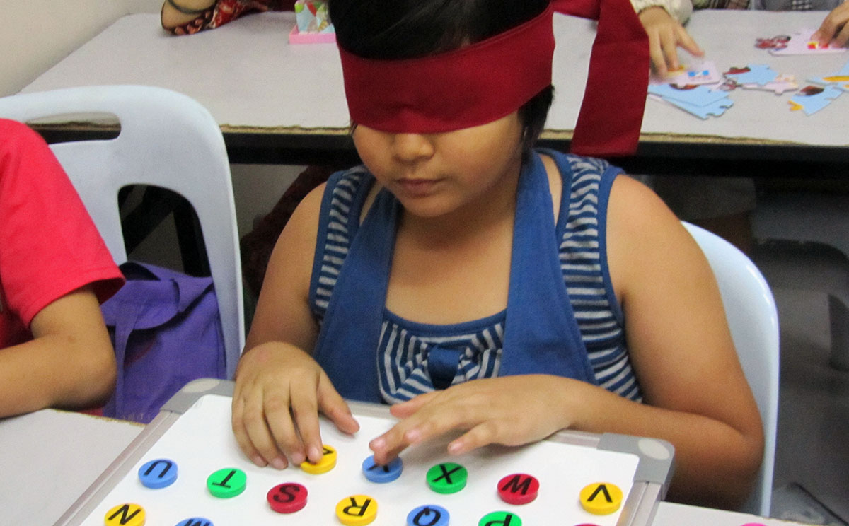 The Kids Who See Blindfolded
