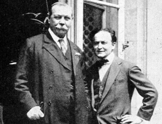 Harry Houdini and Sir Arthur Conan Doyle